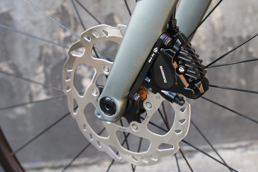 specialised diverge comma Shimano disc brakes